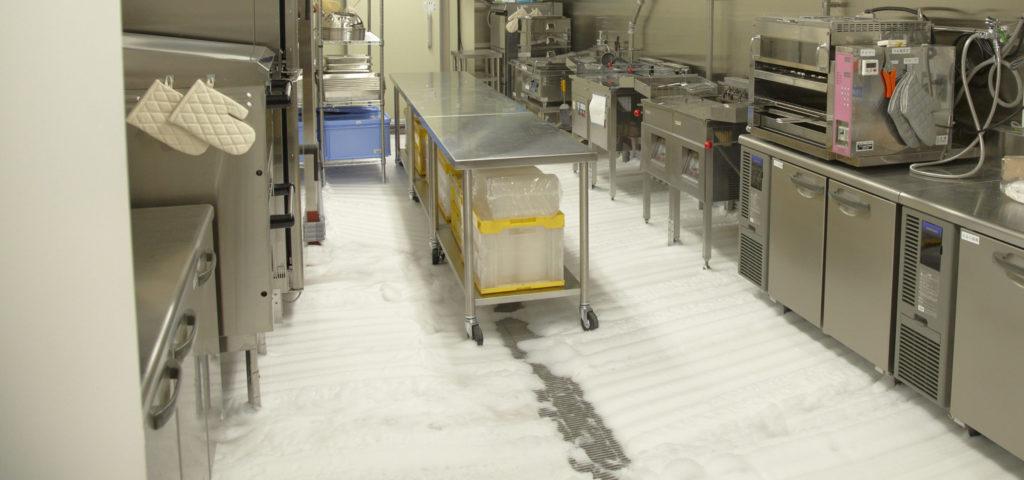 床面自動泡洗浄システム「アワシャー」